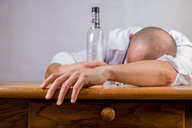 仏教に飲酒を禁じる不飲酒戒(ふおんじゅかい)ができた訳